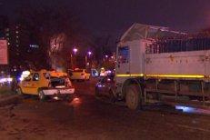 Accident cu şapte maşini în Bucureşti. Care este starea victimelor