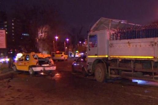 Şoferul care a provocat accidentul din Bucureşti în care au fost implicate şapte maşini este un jandarm. Ce a ieşit la testul de alcoolemie