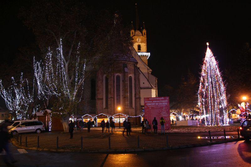 Un nou Târg de Crăciun s-a deschis în România. GALERIE FOTO