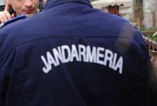 Caz incredibil în România. Ce au păţit trei poliţişti şi un jandarm care au confundat doi bărbaţi cu infractorii şi i-au bătut