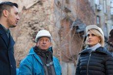 Firea anunţă că patru imobile din Centrul Vechi vor fi reabilitate. GALERIE FOTO cu mizeria de pe strada Blănari
