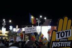 Aproape 10.000 de oameni au protestat în Piaţa Victoriei faţă de legile justiţiei. Liderii opoziţiei, prezenţi la manifestaţii