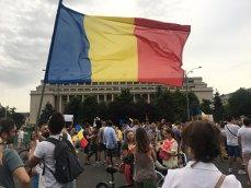 """Protest faţă de măsurile fiscale, în Capitală: """"Vrem revenirea contribuţiilor la angajator"""""""