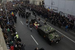 Ultimul drum al ultimului rege. România şi-a luat adio de la Regele Mihai. Galerie FOTO/VIDEO