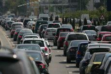 Restricţii de trafic în Capitală pentru funeraliile Regelui Mihai. Care sunt traseele pe care se va circula cu dificultate