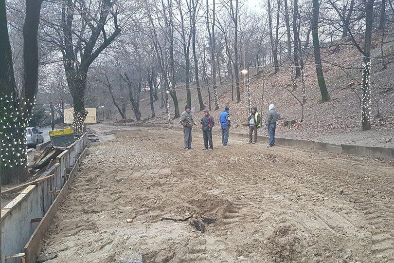Şerban Sturdza, plângere la poliţie împotriva Primăriei Sectorului 5, care construieşte un patinoar în Parcul Romniceanu