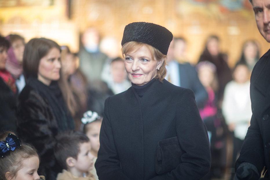 Majestatea Sa Margareta, Custodele Coroanei, zâmbitoare la slujba de a doua zi de Crăciun de la Săvârşin. GALERIE FOTO