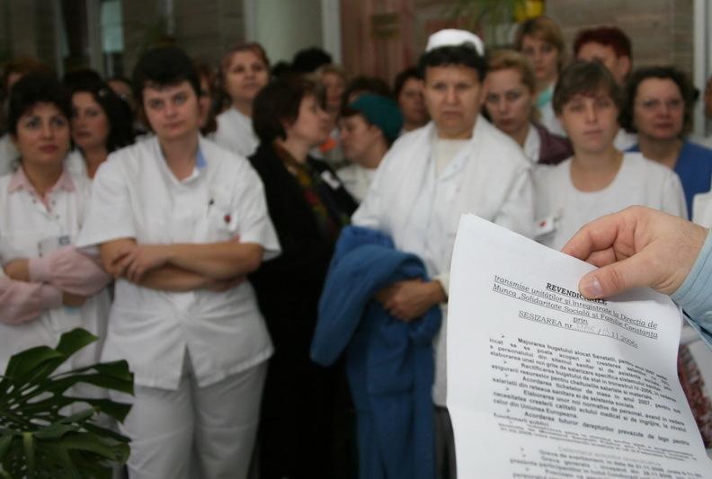 Prima zi de proteste a medicilor de familie. De astăzi, pacienţii nu mai primesc trimiteri şi reţete compensate. Bodog: Nu este etic şi normal să folosim pacienţii în negocieri