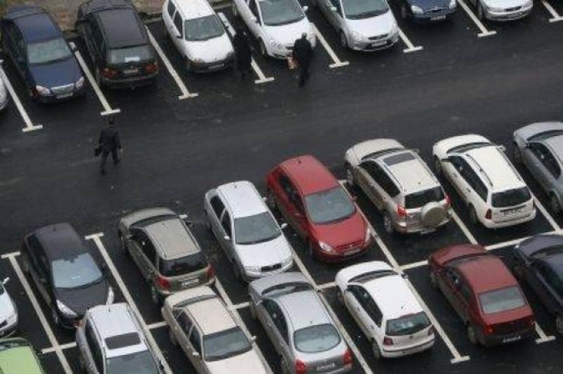 Bucureştenii ar putea avea mai multe parcări subterane şi supraterane. Planul Primăriei Capitalei