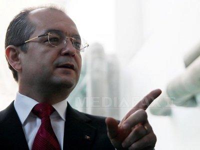 Reacţia lui Boc la acuzaţiile lui Emanuel Ungureanu privind o legătură între fostul premier şi medicul Lucan