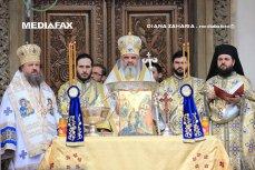 Reacţia Patriarhiei, după ce un profesor preot a fost acuzat că ar fi făcut gesturi obscene de faţă cu elevii