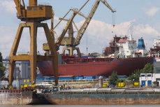 Accident grav la Şantierul Naval Tulcea. Un muncitor a murit