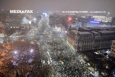 Manifestaţii anti-PSD în Bucureşti şi în ţară. Zeci de mii de oameni, în marş de protest din Piaţa Universităţii la Parlament