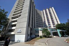 Fum la parterul Spitalului Universitar din Capitală. 20 de angajaţi ai unităţii s-au autoevacuat