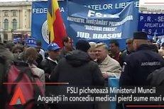 Sindicatele din învăţământ pichetează Ministerul Muncii. Angajaţii în concediu medical pierd sume mari din venit