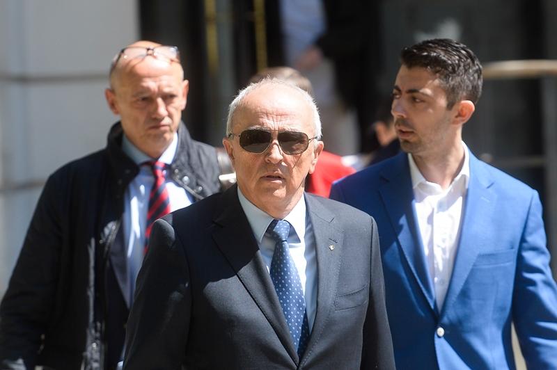 În plin scandal al înregistrărilor, procurorii cer pedepse uriaşe pentru Vlad Cosma şi pentru tatăl său, Mircea Cosma