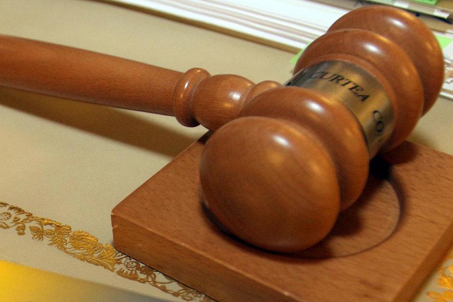 Încă un articol din Codul Penal a picat la CCR. O prevedere referitoare la controlul judiciar, neconstituţională
