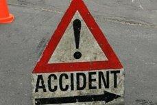 Trafic oprit pe DN1 din cauza unui accident în care trei oameni au fost răniţi