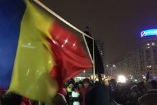 Proteste în Piaţa Victoriei şi în oraşele importante ale României. Mii de manifestanţi cer demisia ministrului Justiţiei, Tudorel Toader. GALERIE FOTO