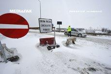 Două autostrăzi şi 5 drumuri naţionale rămân închise joi dimineaţa din cauza vremii. Circulaţia, reluată pe un tronson al Autostrăzii Soarelui