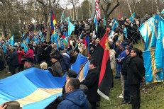 Steag secuiesc imens, fluturat de peste 2.500 de persoane la mitingul pentru autonomie. GALERIE FOTO
