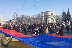 """Miting de amploare la Chişinău pentru unirea Republicii Moldova cu România. Băsescu: """"Cerem Parlamentelor de la Bucureşti şi Chişinău să voteze, din nou, unirea"""". UPDATE"""