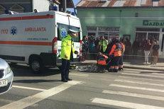 Copil surdo-mut, spulberat pe o trecere de pietoni din Cluj-Napoca de o ambulanţă SMURD. Băiatul de 14 ani a murit pe loc