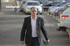 """Socrul lui Sebastian Ghiţă, care apare în poză cu Kovesi, susţine că DNA i-a pus sechestru pe cont: """"Este o răzbunare. Nu am şi nu am avut niciodată dosar"""""""