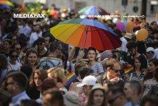 O nouă iniţiativă pentru legalizarea parteneriatelor civile: uniune consensuală pentru persoanele de acelaşi sex, dar şi pentru heterosexuali. Cuplurile gay NU vor putea adopta copii. PROIECT CNCD