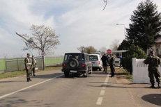 Şapte militari americani de la Baza Deveselu, încătuşaţi de poliţiştii români, după ce au făcut scandal într-un club şi au plecat fără să plătească şi consumaţia
