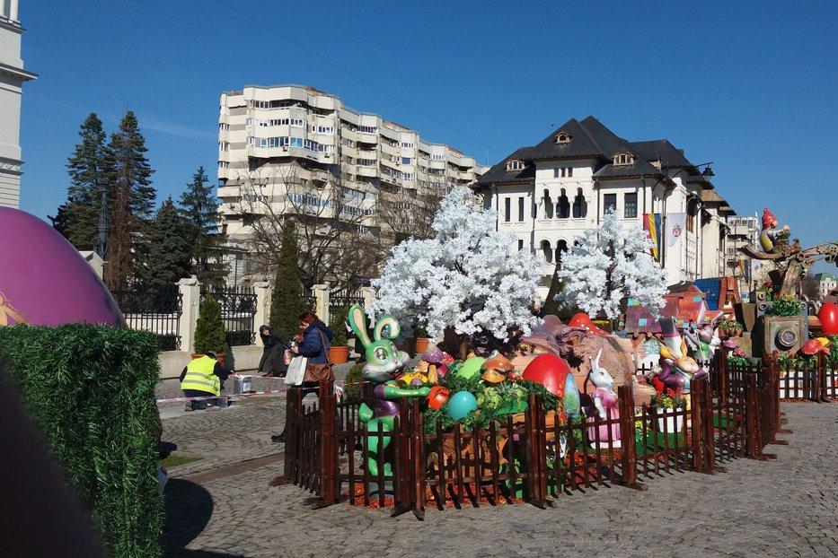 Cum s-au pregătit primarii de Paşte. Oraşul care a scos din buget 30.000 de euro pentru iepuraşi, ciuperci gigant şi scoarţă decorativă