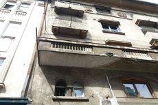 Bucăţi dintr-un balcon s-au prăbuşit în Centrul Istoric din Capitală