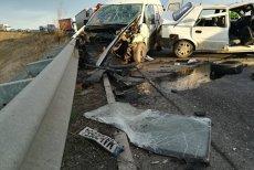 Accident grav în această dimineaţă. O persoană a murit şi alte 4 au fost rănite grav, după ce un TIR şi două maşini s-au ciocnit