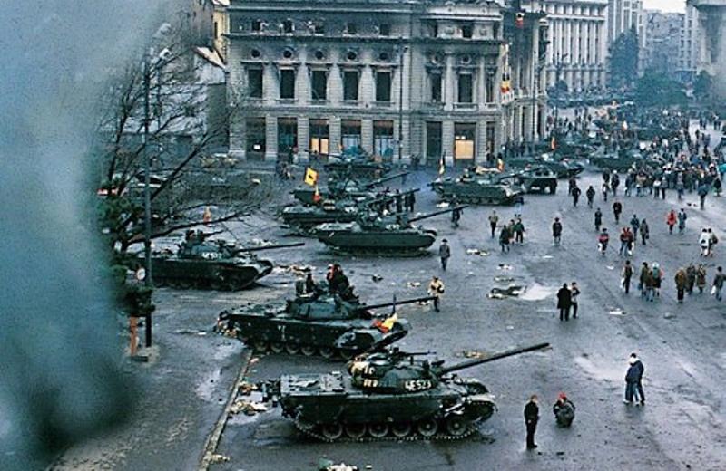 Crainicul Revoluţiei, Theodor Brateş, a fost pus sub învinuire în Dosarul Revoluţiei pentru infracţiuni contra umanităţii
