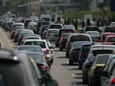 Ce decizie a luat Primăria Capitalei referitor la proiectul care ar fi interzis circulaţia maşinilor vechi în Bucureşti