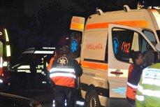 Personalul medical al unor ambulanţe, agresat după ce a fost chemat să intervină într-un scandal între două familii de romi. 30 de persoane, implicate în bătaie