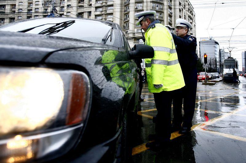 """Ce vor păţi şoferii care nu înregistrează contractul de vânzare-cumpărare al maşinii, începând cu 20 mai. Şeful DRPCIV: """"Nu echivalează cu radierea"""""""