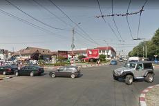 Bătaie cu bâte şi cuţite după o şicanare în trafic în Târgu Jiu. Poliţia, obligată să-i reţină pe cei patru bătăuşi