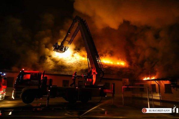 incendiu la scoala 124 din bucuresti