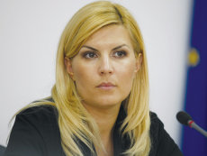 Elena Udrea a fost condamnată la 6 ani de închisoare cu executare în dosarul Gala Bute. Sentinţa este definitivă