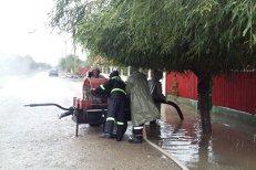 Opt judeţe au fost afectate de ploi abundente în ultimele 24 de ore