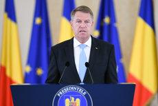 Banii primiţi de Klaus Iohannis odată cu premiul Fundaţiei Hanns Siedel, în conturile UCOS Sibiu