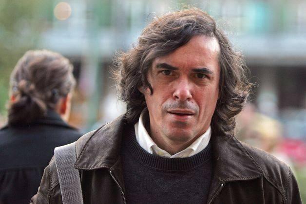 Scriitorul Mircea Cărtărescu a criticat-o pe Gabriela Firea pe Facebook.