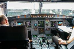 ROMÂNII, printre MILIOANELE de oameni care zboară cu avionul, VIZAŢI de propunerea DRASTICĂ a Ryanair! Va schimba, pentru TOTDEAUNA, modul în care mergem cu avionul!