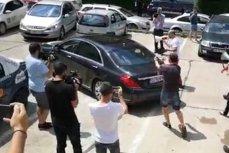 Cluj: Protestatar legitimat de jandarmi după ce a făcut gesturi obscene spre Tăriceanu