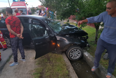 Accident Slatioara Sofer beat Live Facebook impact frontal video