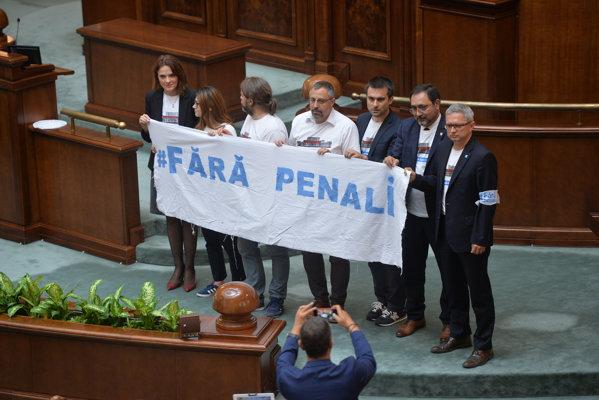 Protest USR la dezbaterea Codului penal din Senat