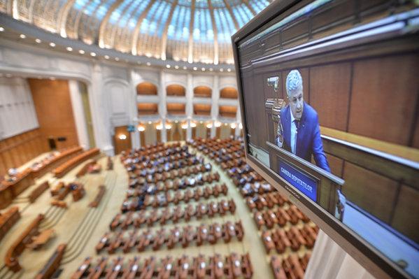 Dezbateri Camera deputatilor