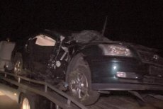 Grav accident rutier în judeţul Buzău. Un elev al Şcolii de Maiştri Militari a MURIT, alţi trei sunt RĂNIŢI GRAV, după ce maşina lor s-a izbit de un copac