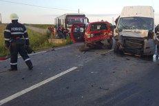 Accident în judeţul Bihor, soldat cu 11 RĂNIŢI. Un autocar, un microbuz şi o autoutilitară, implicate în ciocnire